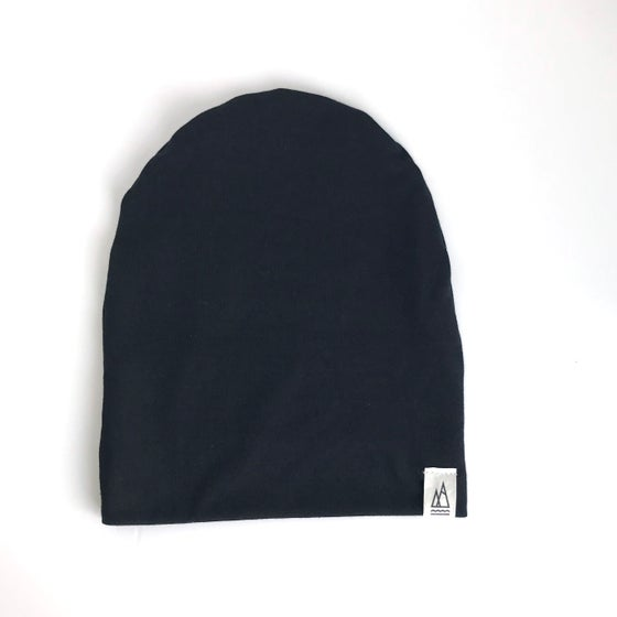 Image of black // beanie