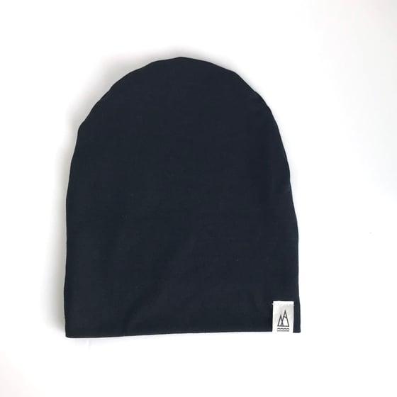 Image of black // beanie