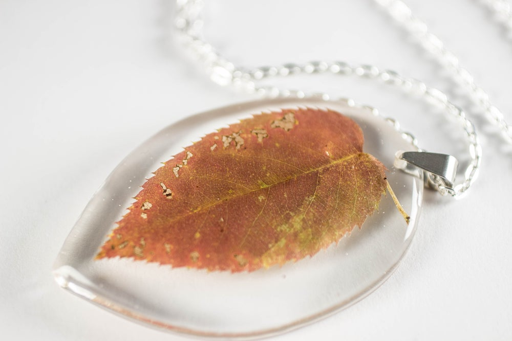 Image of Autumn Simple Leaf Pendant #3