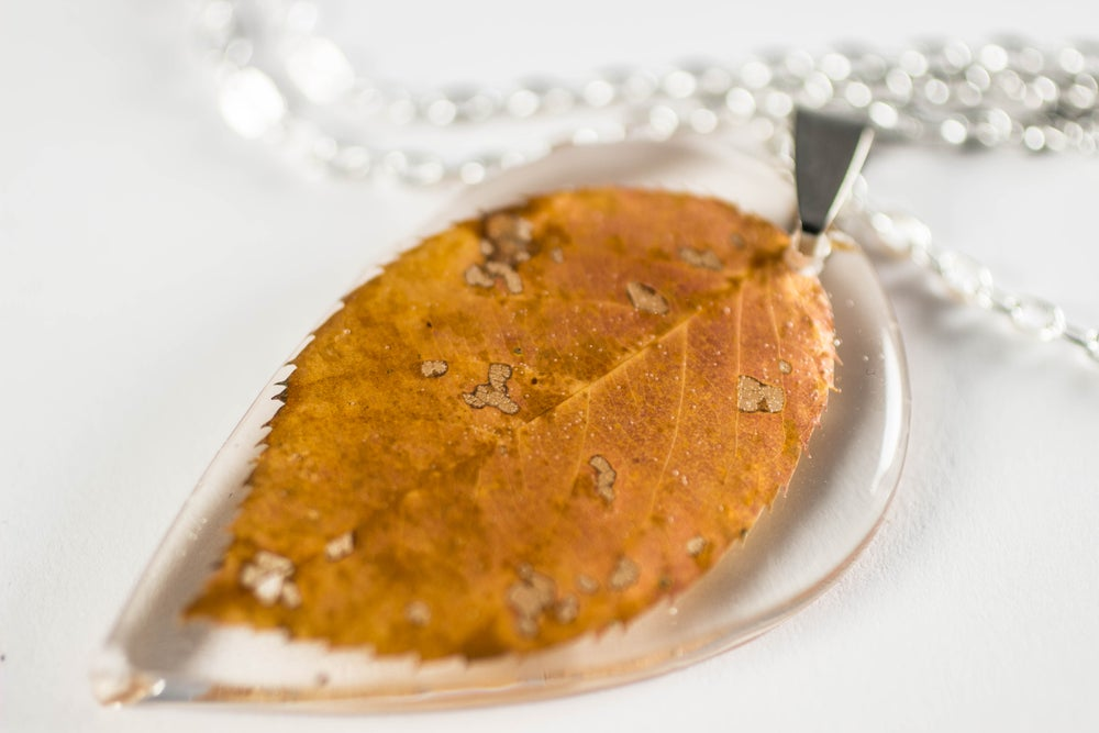 Image of Autumn Simple Leaf Pendant #2