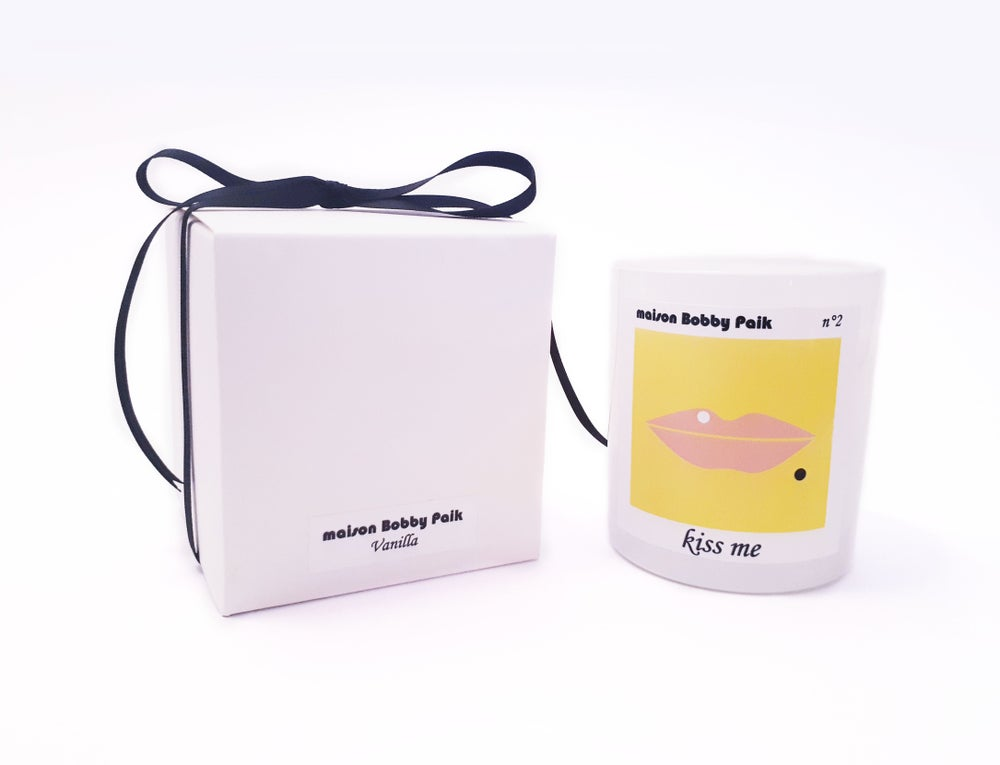 Image of Maison Bobby Paik Vanilla Scented Candle-Kiss me yellow