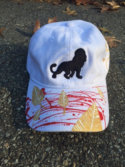 "Image of León ""dad"" hat (White/Gold Leaves) Fall Edition"
