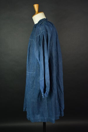 Image of 1900's FRENCH SHORT INDIGO LINEN BLOUSE DE MAQUIGNON SMOCK BIAUDE COAT