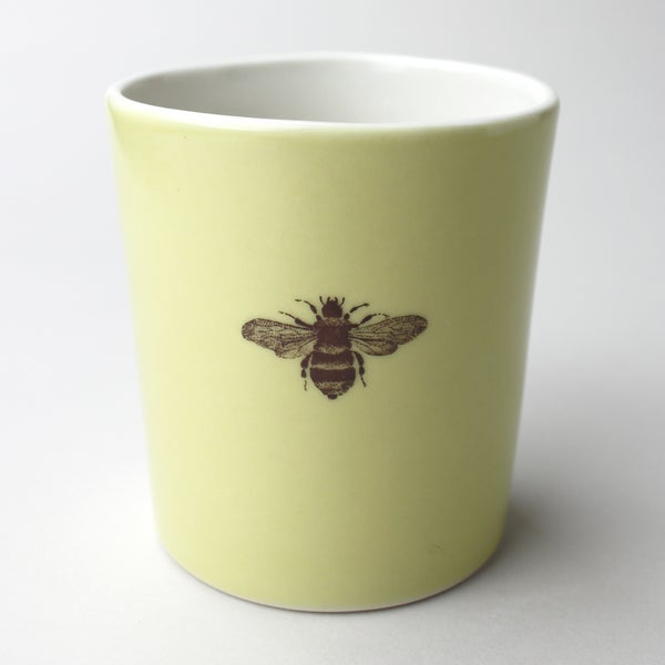 Image of 16oz tumbler with bumblebee, mustard
