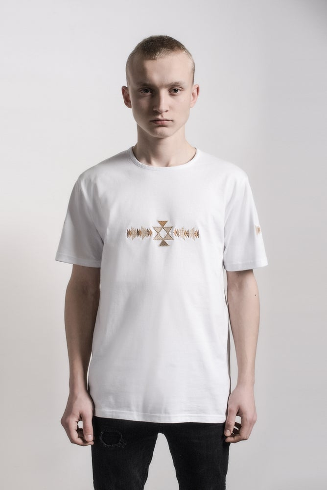 Image of KANATITSA T-shirt & V neck