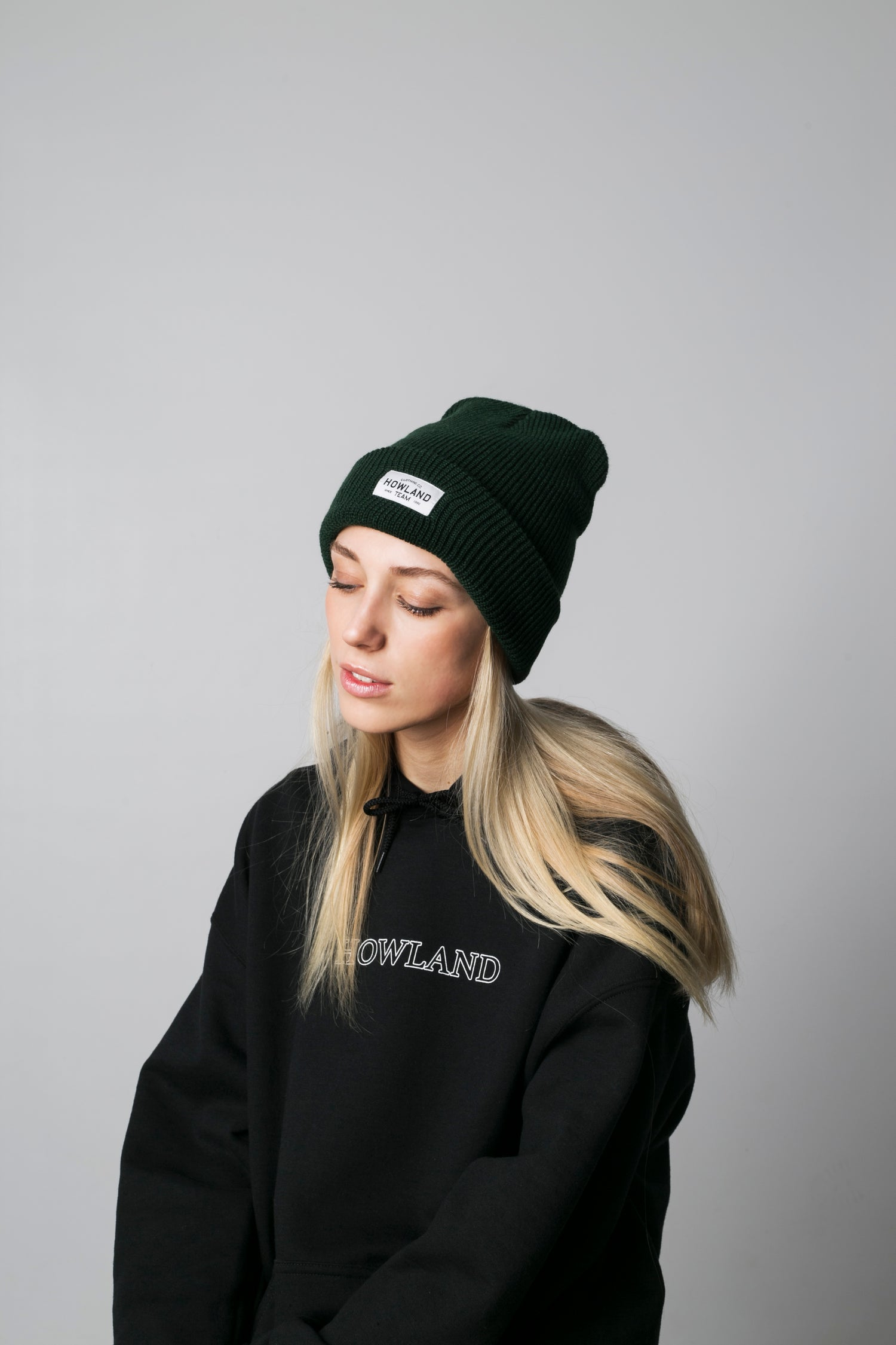 Image of DARK GREEN BEANIE