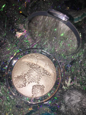 """Image of """"Champagne on Ice"""" holiday highlighter"""