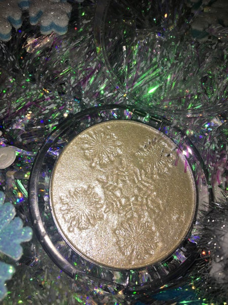 "Image of ""Let it Glow"" holiday highlighter"