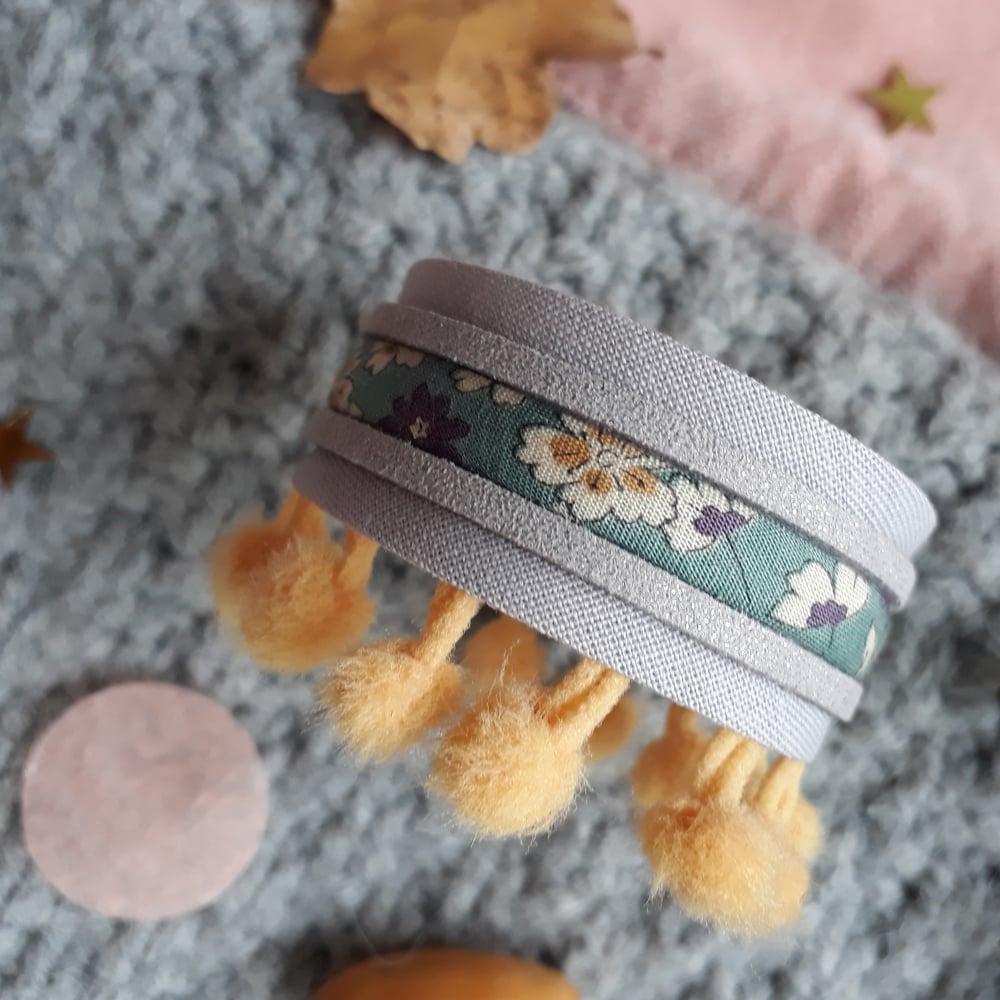 Image of Bracelet *fillette* - manchette pompons : gris/camel
