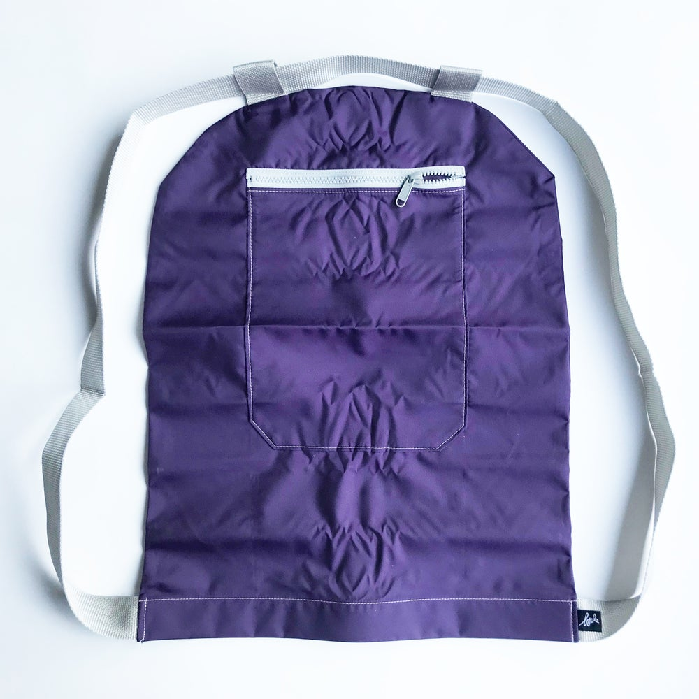 Image of Nylon Aubergine - zip