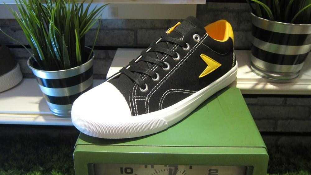 Image of Bata hotshot canvas lo top sneaker , black