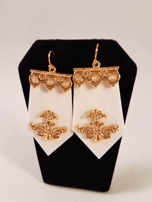 Image of Royal Crest Earrings