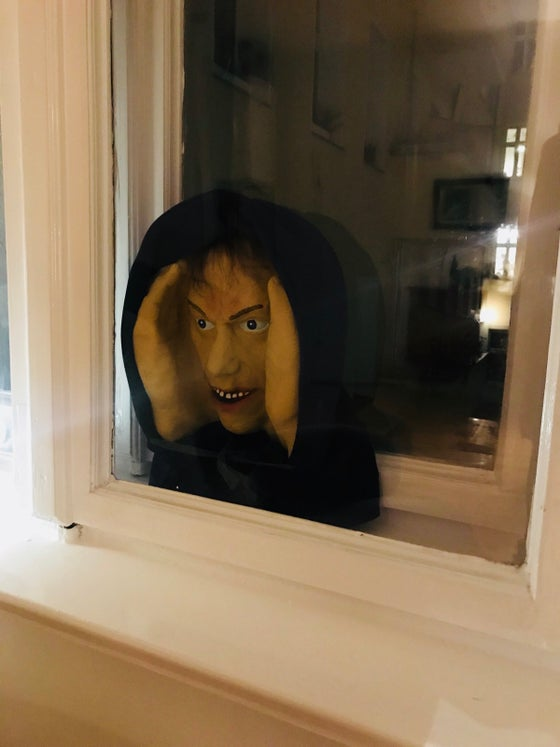 Image of Scary peeper