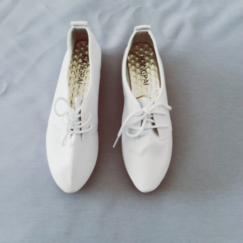 Image of White corrugated sole lace up pumps