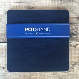Image of Iona potstand