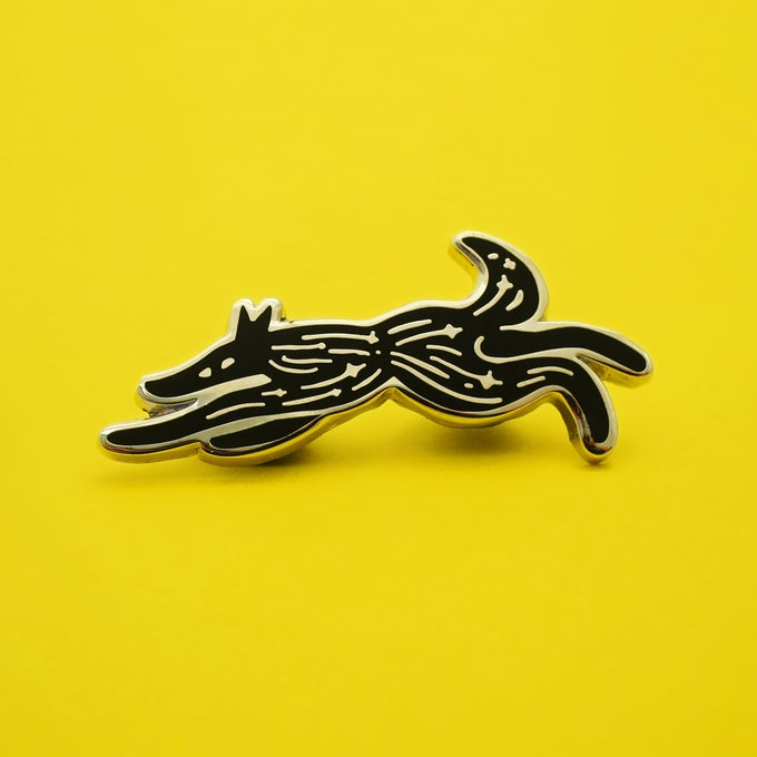 Image of Wolf Enamel Pin