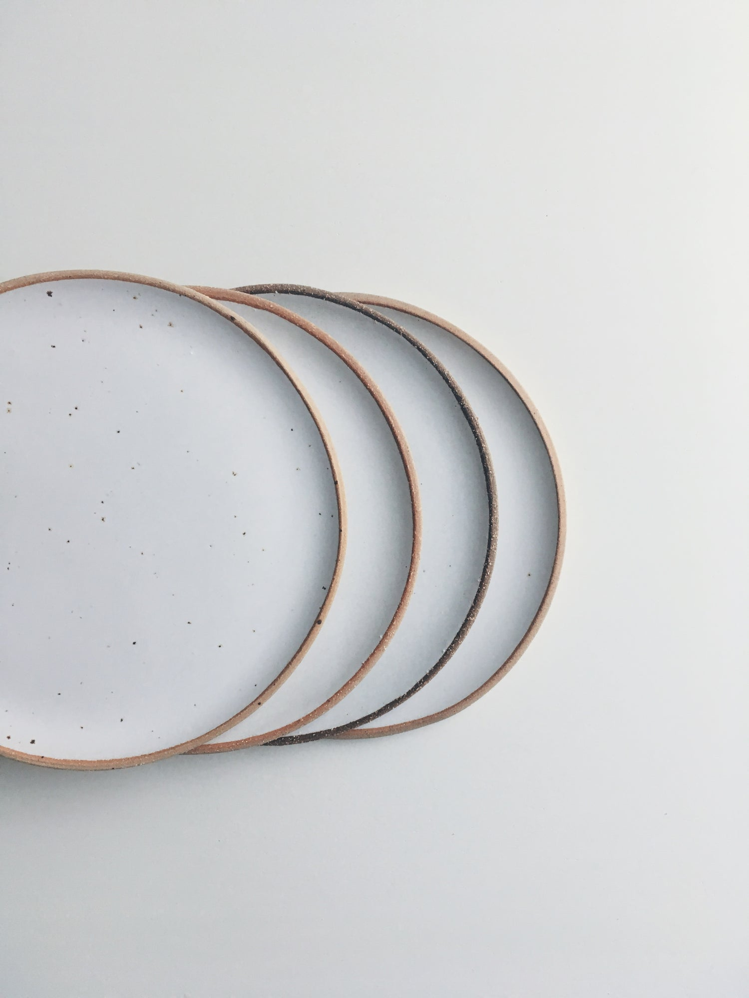 Image of Set of 2 Medium Plates