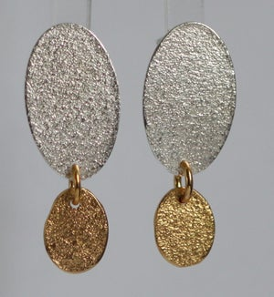 Image of Textured Dangly earrings