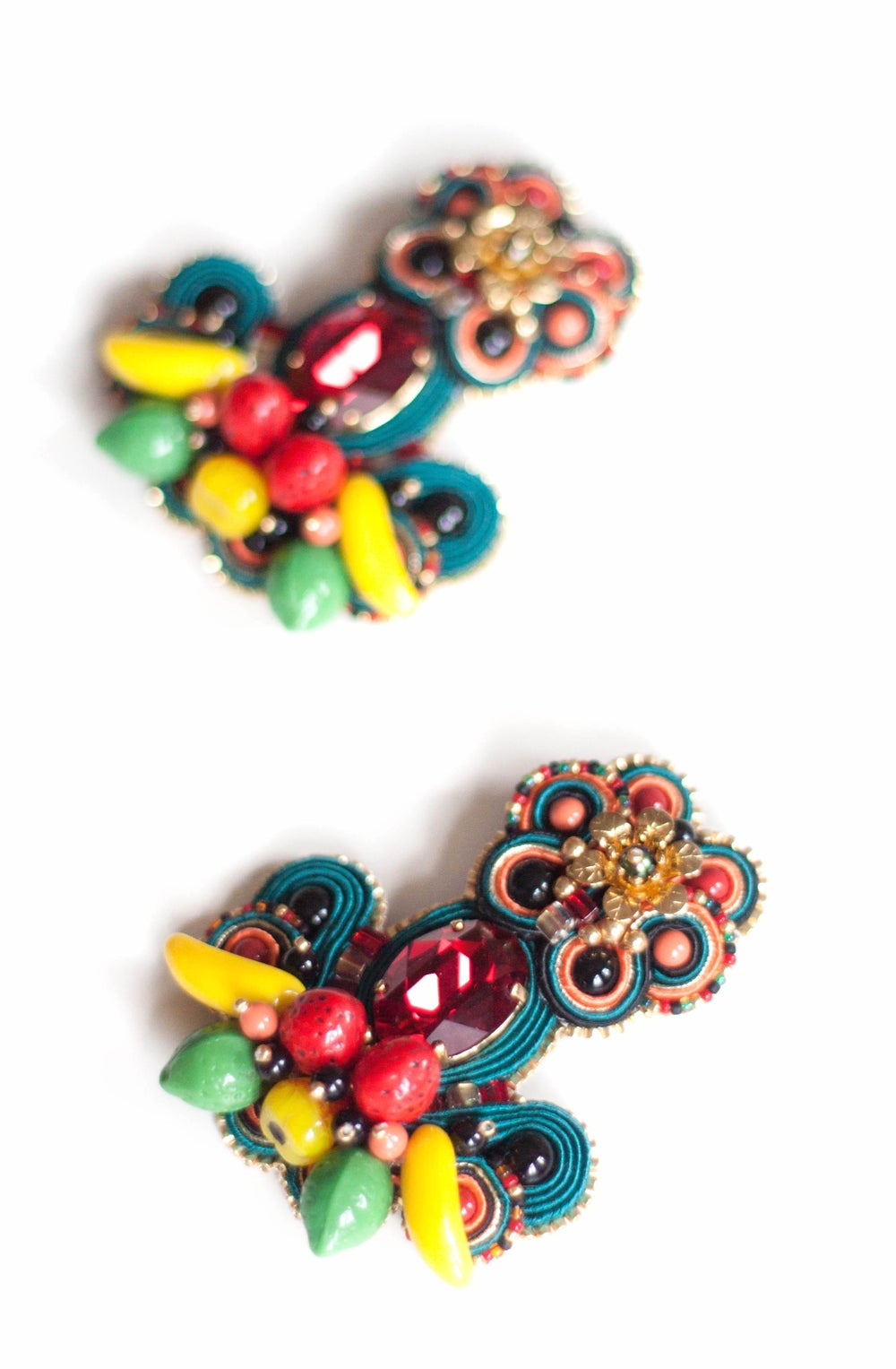 Image of Tribute to Carmen Miranda - Carmensita - majestueuses boucles CLIPS