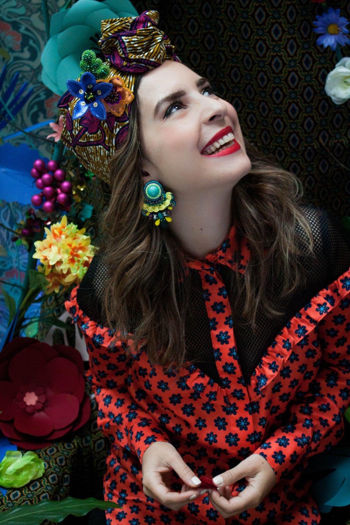 Image of Tribute to Carmen Miranda - Touradas em Madrid - Boucles CLIPS couture