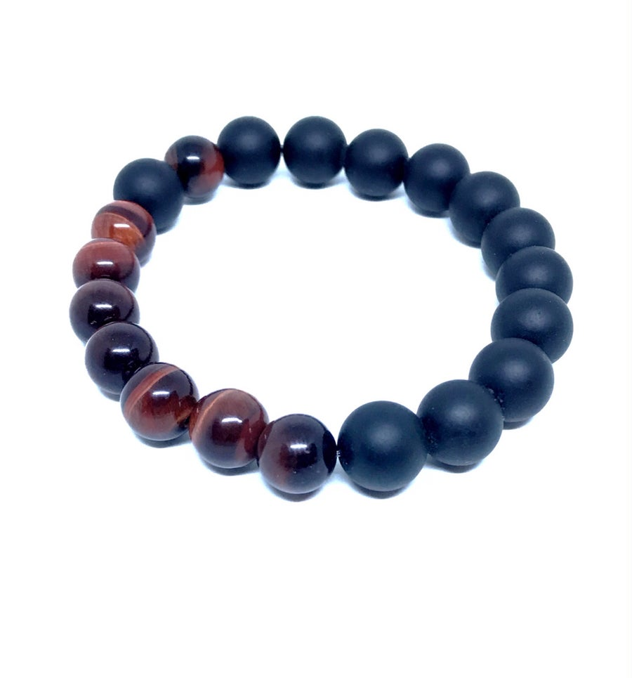 Image of 'Elegant Man' Men's large 10mm red tigers eye stretch bracelet w/ onyx