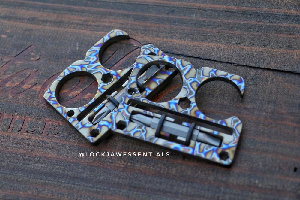 Image of Lock Jaw Compact ( Thunder Bolt )