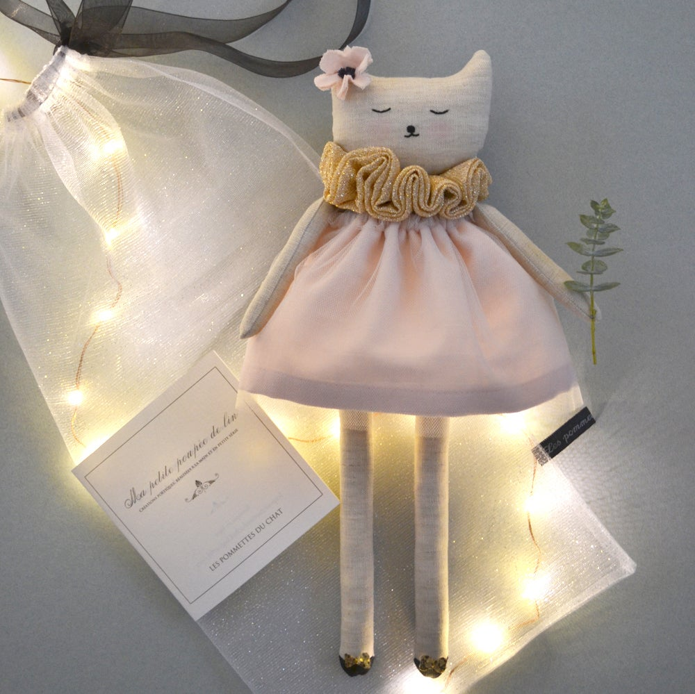 "Image of N°19 ""Ma petite poupée de lin"""
