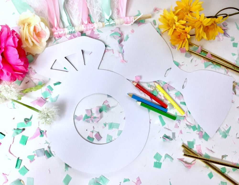 Image of Wedding guest colouring sheet and pencil set