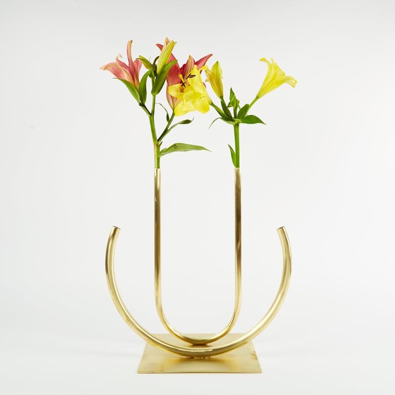 Image of Vase 00210 - Double Circle U Vase