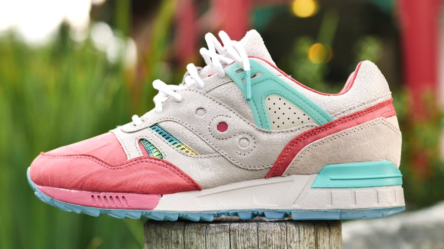 "Image of ""Jade Temple"" SAUCONY G.R.I.D SD"