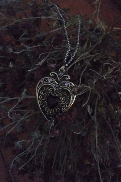Image of Pendant Black Heart Necklace
