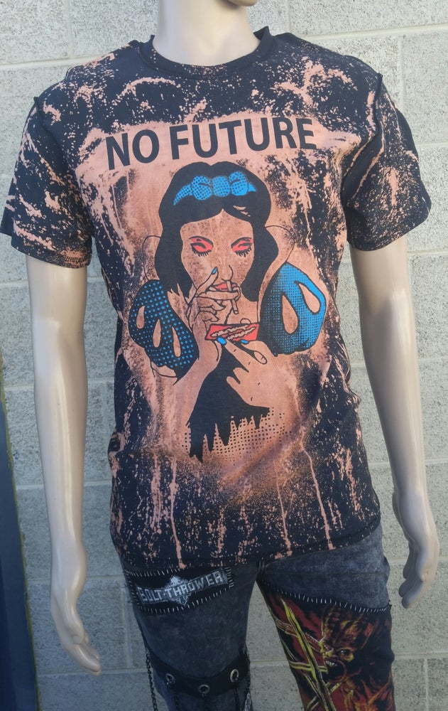 Image of No Future acid washed tshirt Snow White