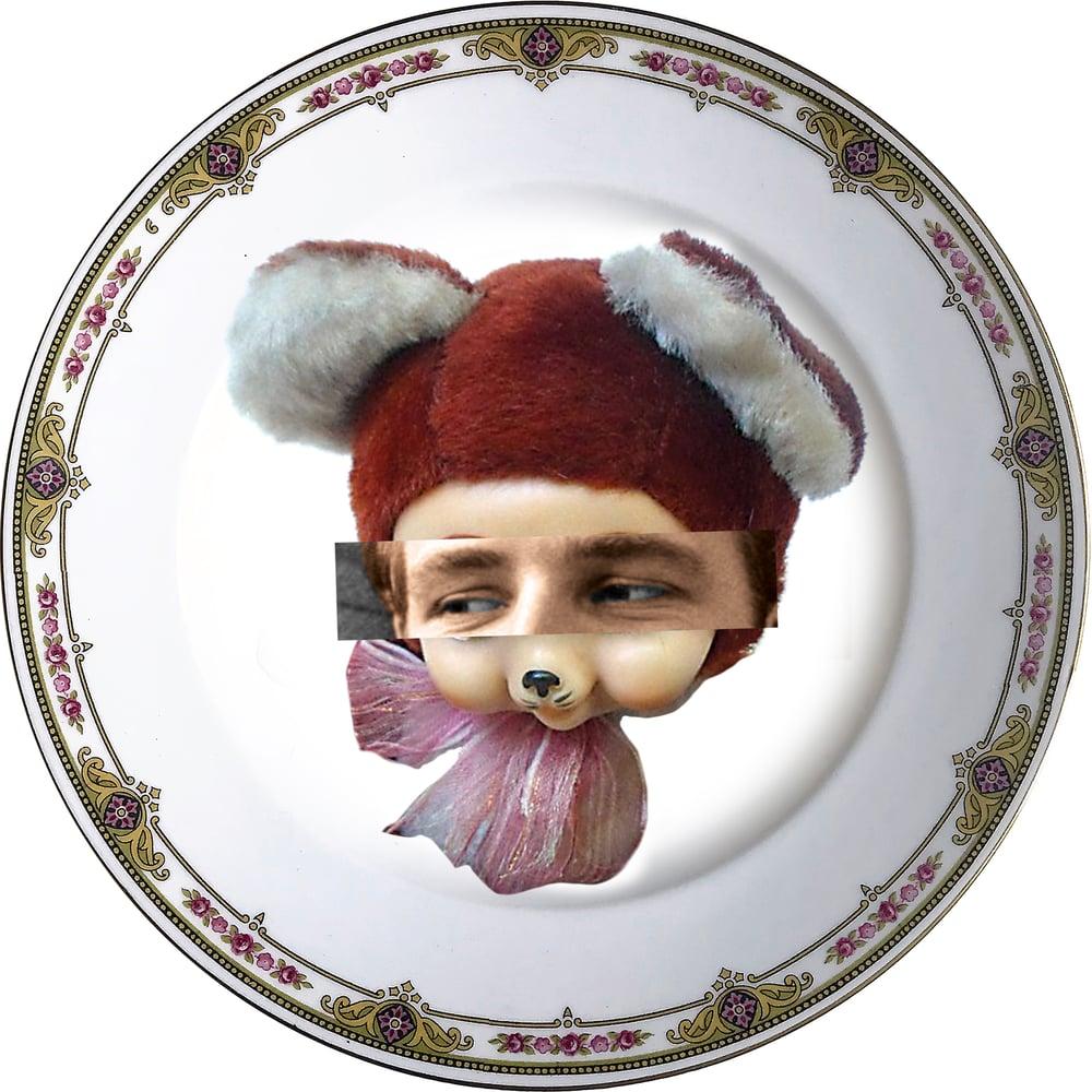 Image of Eyeconic - Marlon Kitsch Face - Vintage Porcelain Plate - #0579