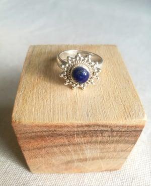 Image of Bague fleur T. 52 - lapis lazuli