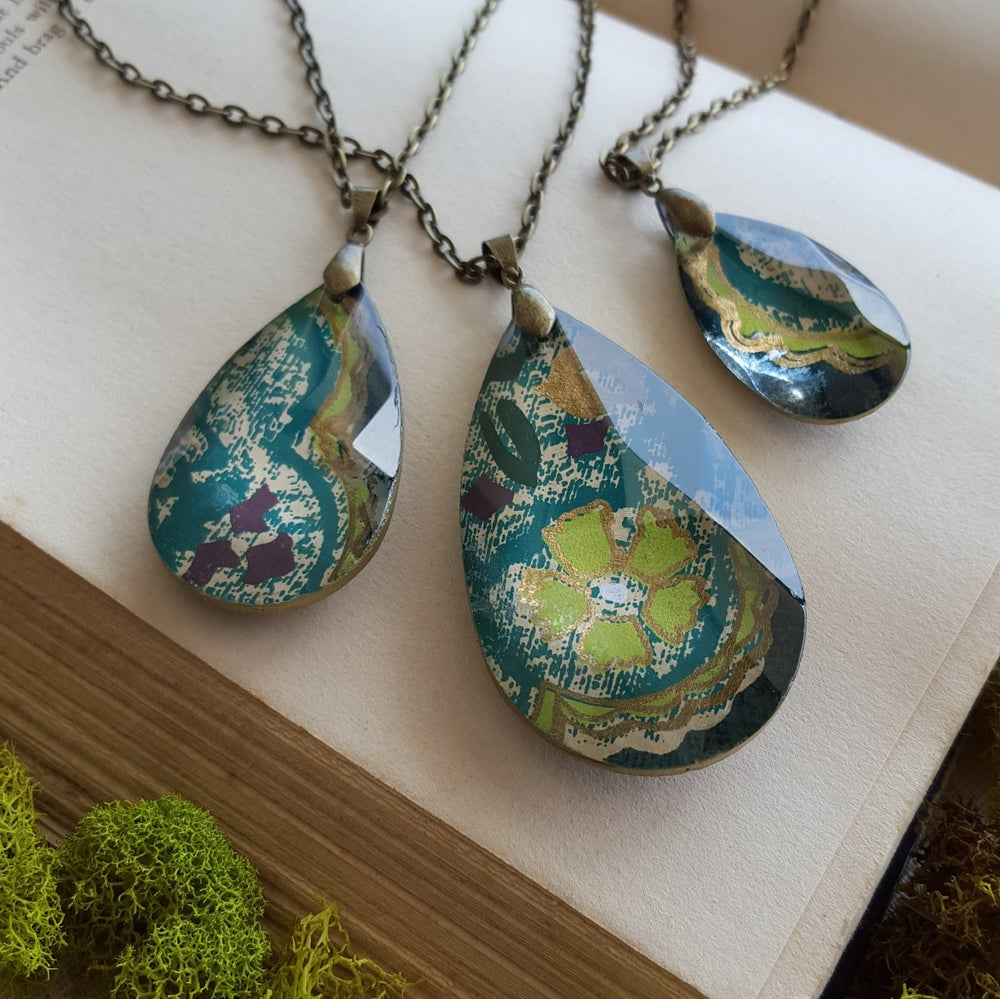 "Image of ""Cedar"" Tibetan Block Print Pendant Necklace Medium"