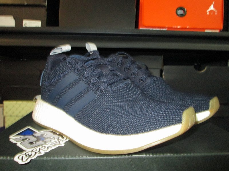 timeless design 36398 070cd adidas NMD R2 WMNS