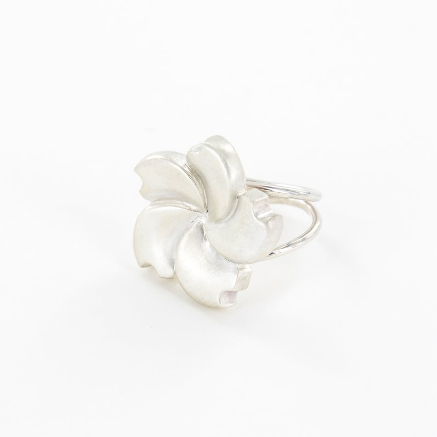Image of Bague Hortensia GM - Collection Garden Party