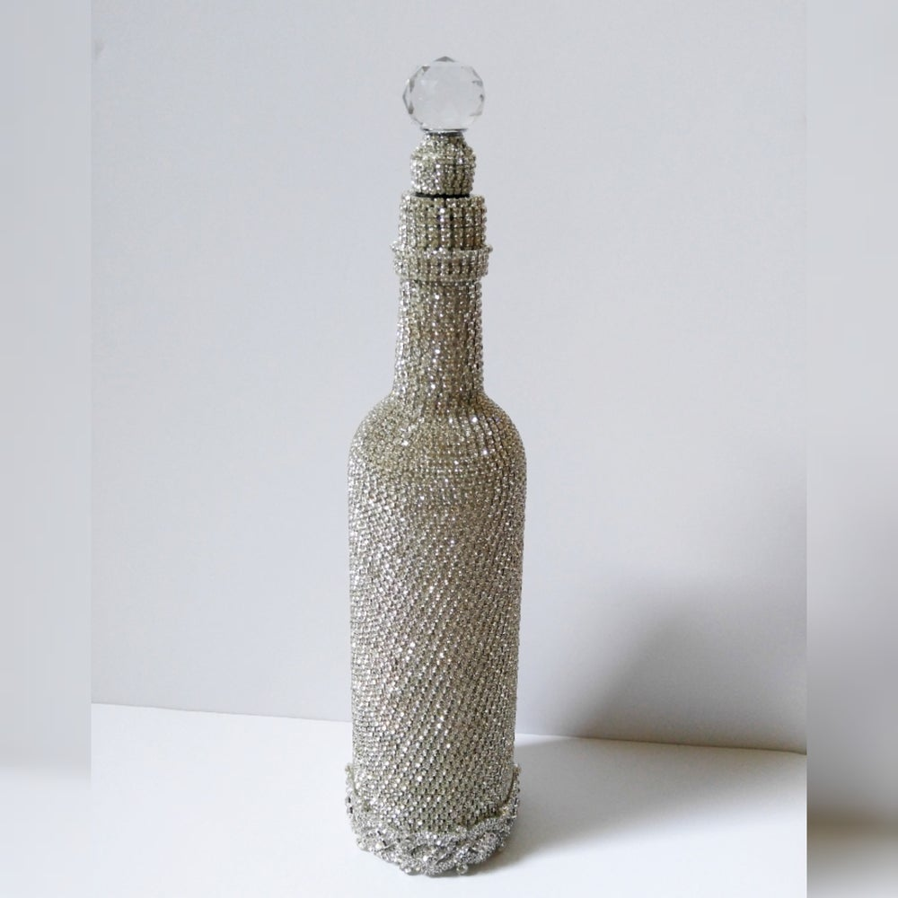 "Image of ""Lily"" Wine/Champagne Bottle"