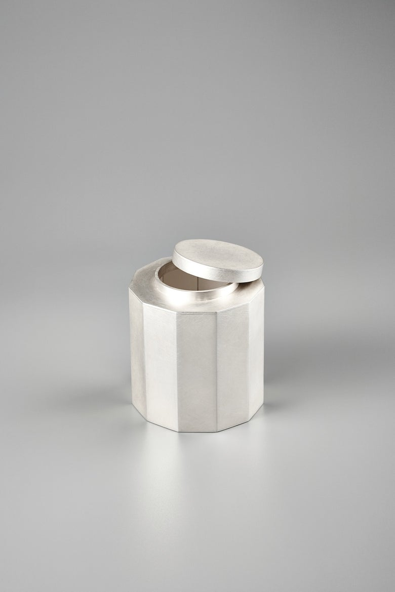 Image of 925 Nonagonal Tea Canister (Exhibition Work)