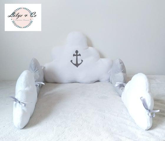 Image of Sur commande: Tour de lit nuage gris et blanc.