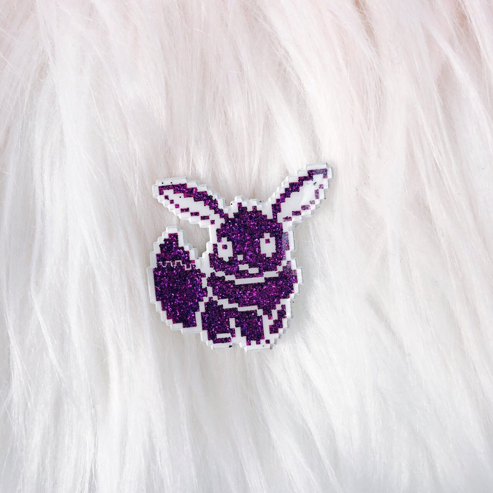Image of LE100 Fennec Fox Enamel Badge