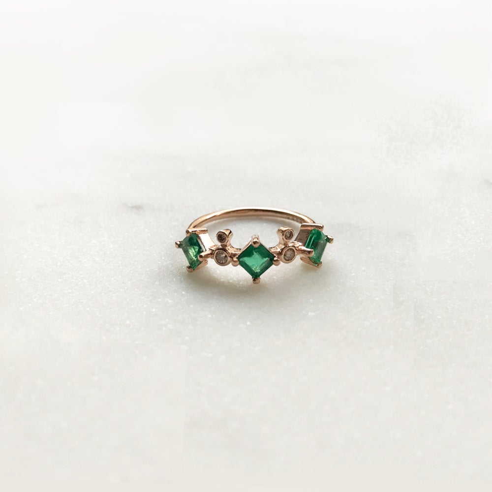 birthstone may earth three design sapphire stone jewelry green engagement ring vintage products bridal rare with white trillions emerald cut