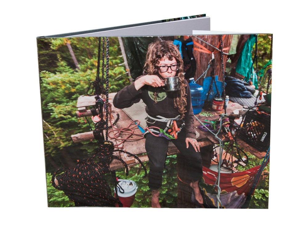 Image of Connected Off the Grid Book
