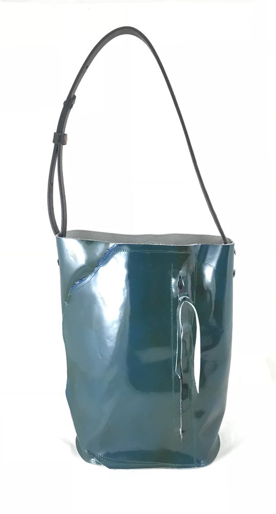 Image of bucket tote (algea blue)