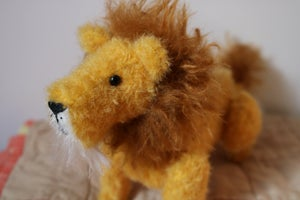 Image of Heirloom Toy Lion
