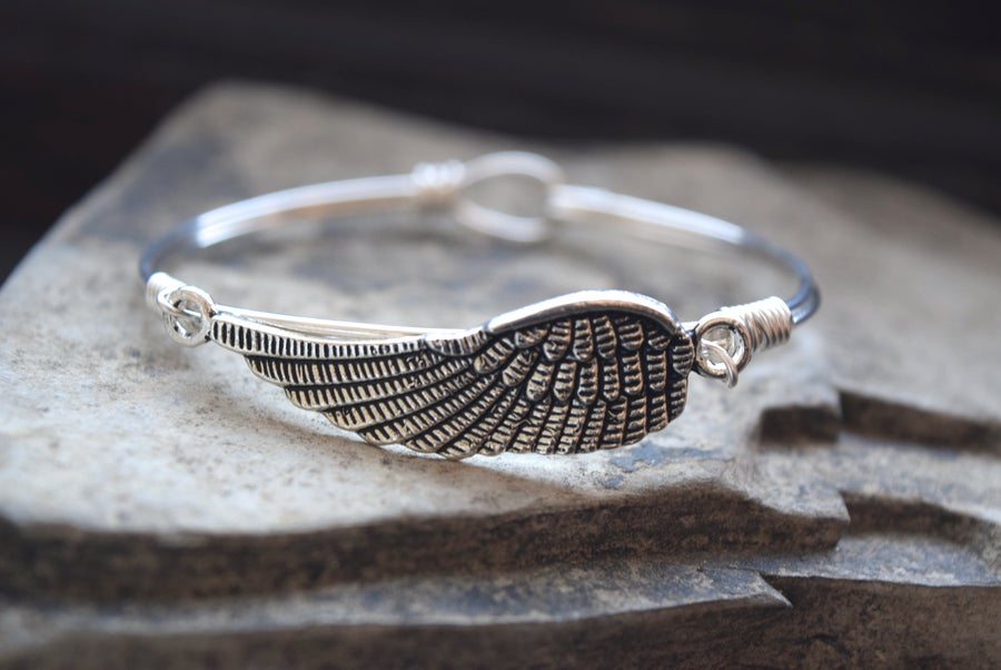 Image of Angel Wing Clasp Bangle