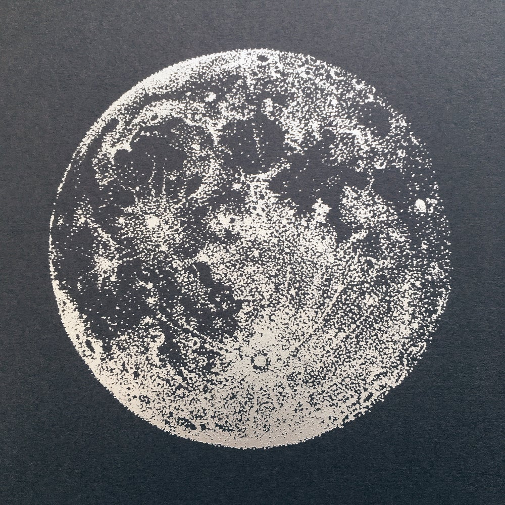 Image of Silver iridescent Full Moon