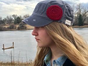 Image of Light Grey Hat/Deep Red Flower