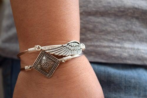 Image of Angel Wing Clasp Bangle