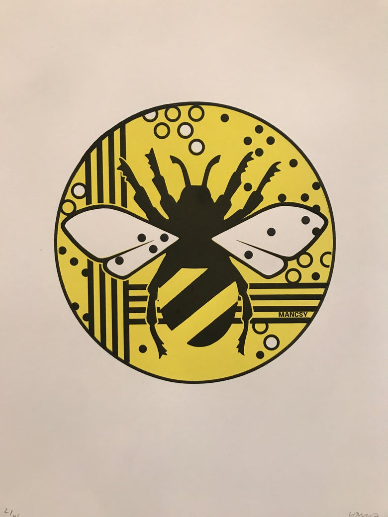 Image of Circle Bee